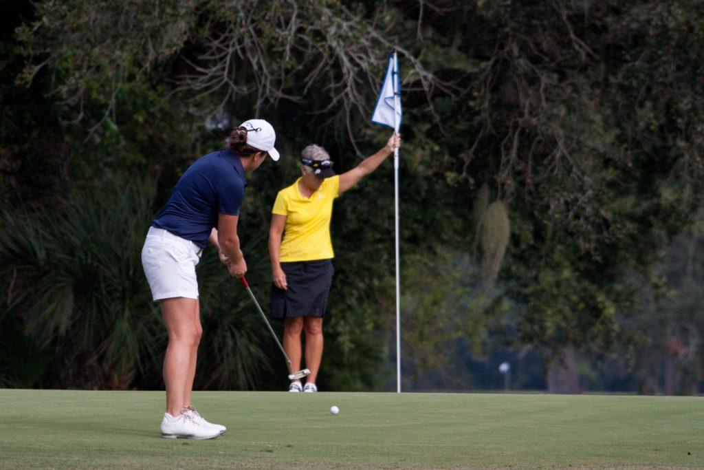 Dames aan het golf